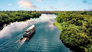 The Aria Amazon, Aqua Expeditions