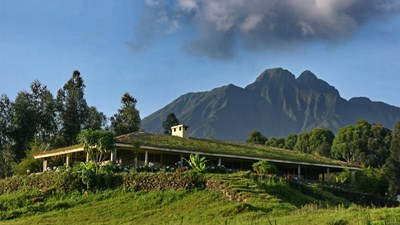 Exterior with mountains - Jack Hanna's Cottage, Rwanda