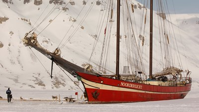 Ship in the Ice, Svalbard