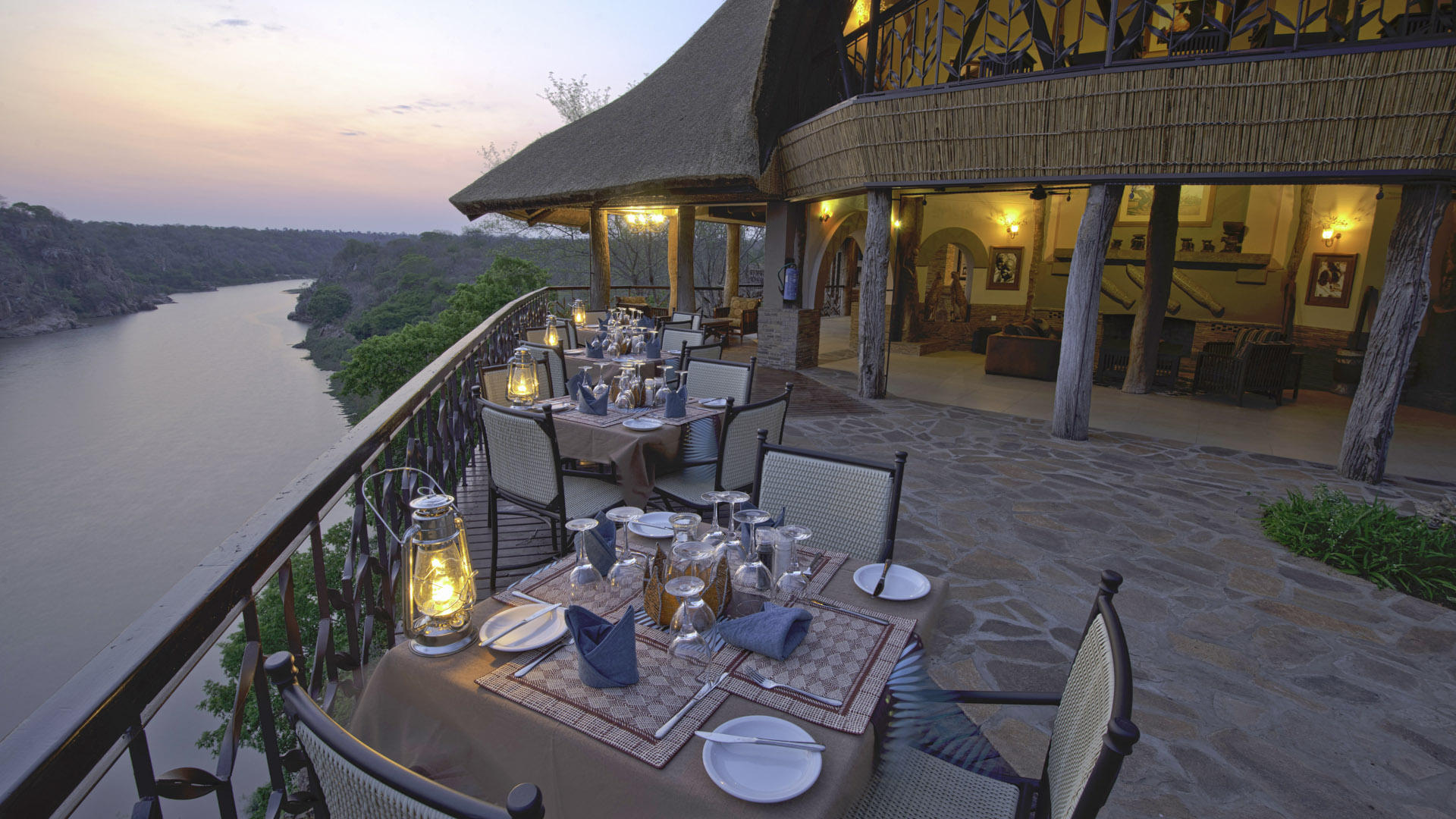 Chilo Gorge Lodge - Dining Deck