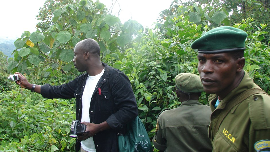 Dominique Bikaba with a ranger from the Congolese Institute for Nature Conservation