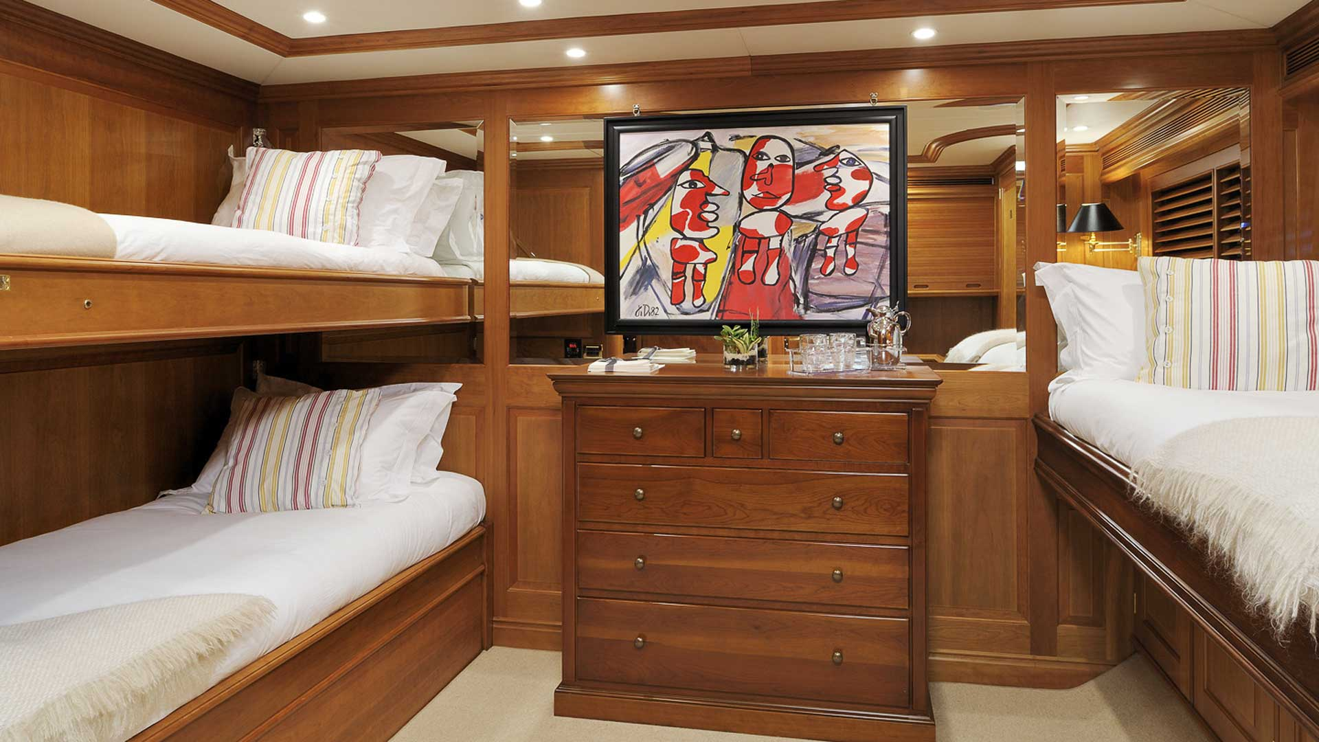 Guest Cabin Triple, Drumbeat Superyacht