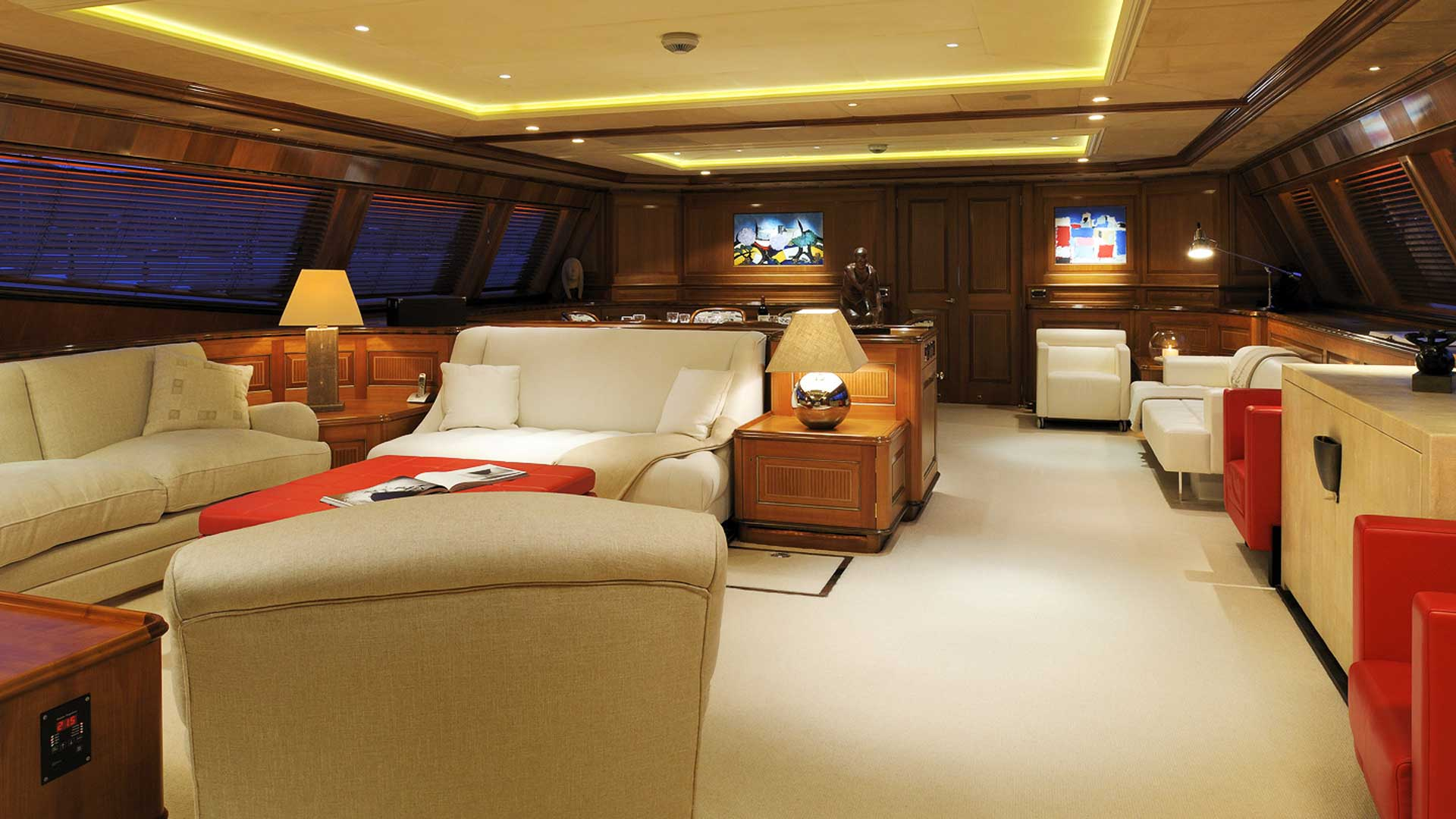 Main Salon, Drumbeat Superyacht