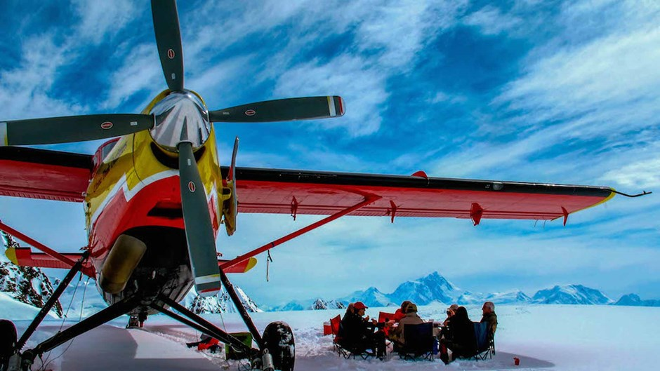 Glacier flight safari at Ultima Thule Lodge