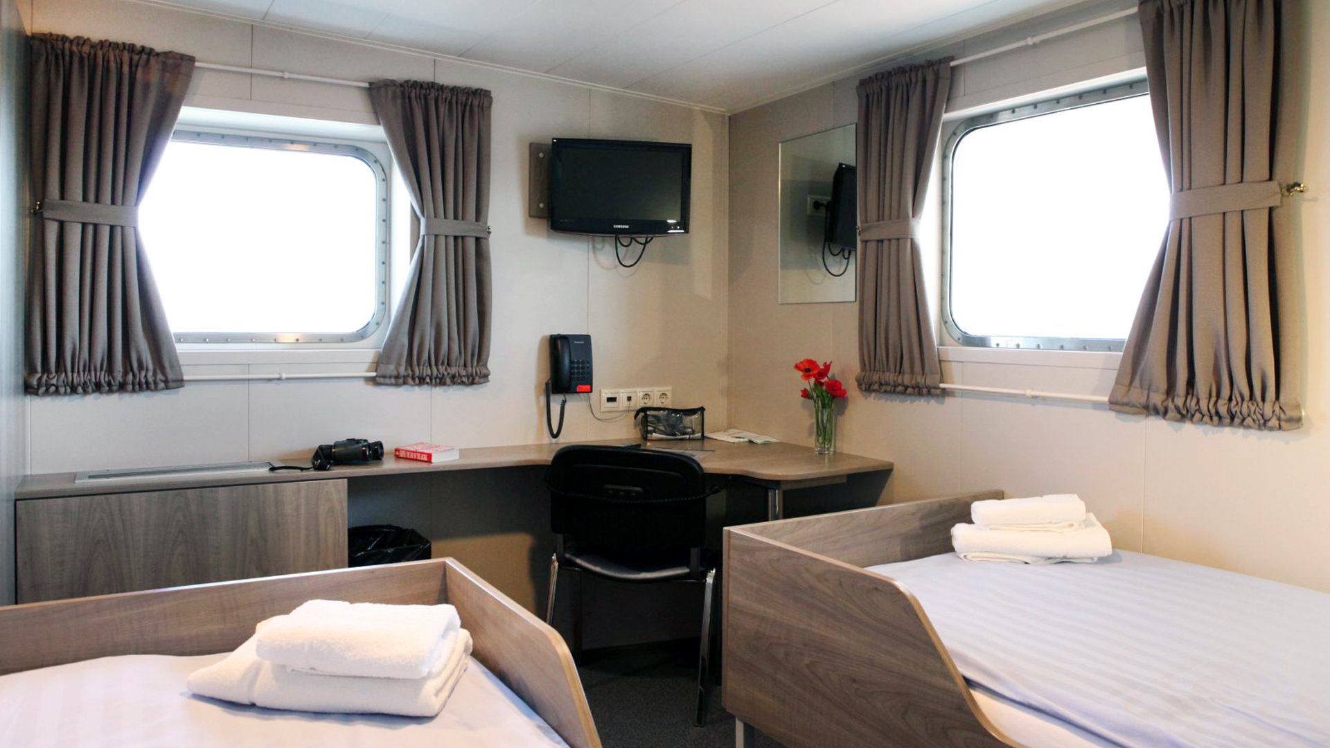 MV Plancius, Twin Cabin