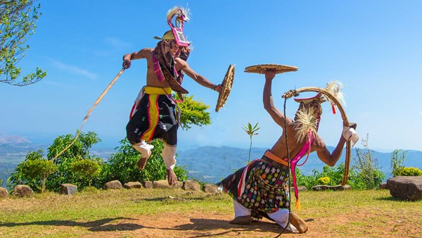 Dancing, Indonesia |© Sea Trek