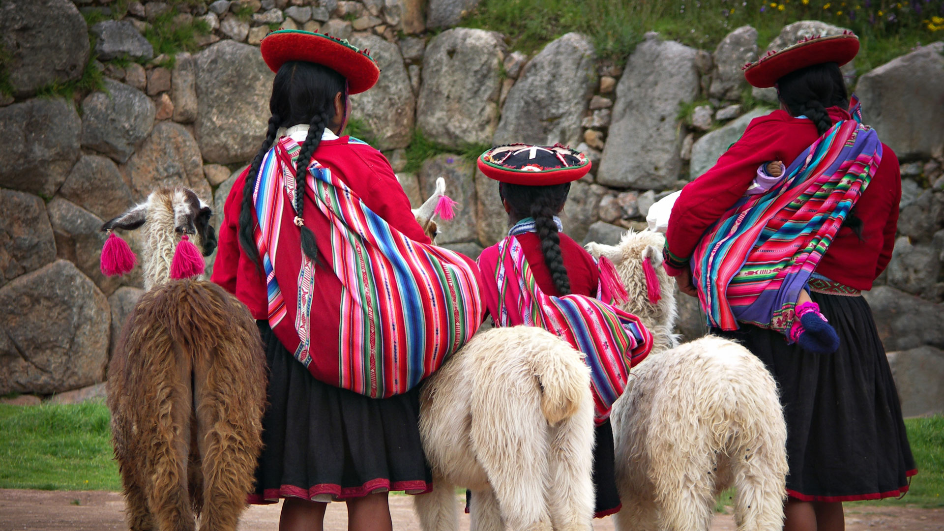 Local ladies, Peru