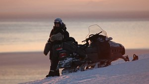 Snowmobiling, Svalbard