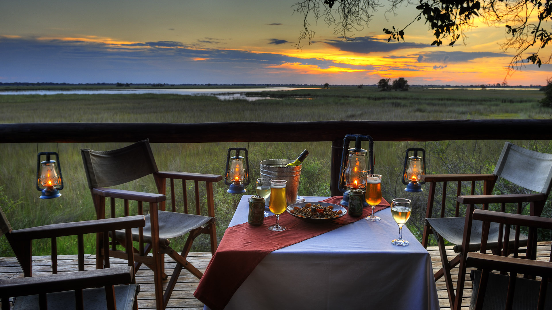 Dinner with view of sunset, Camp Moremi