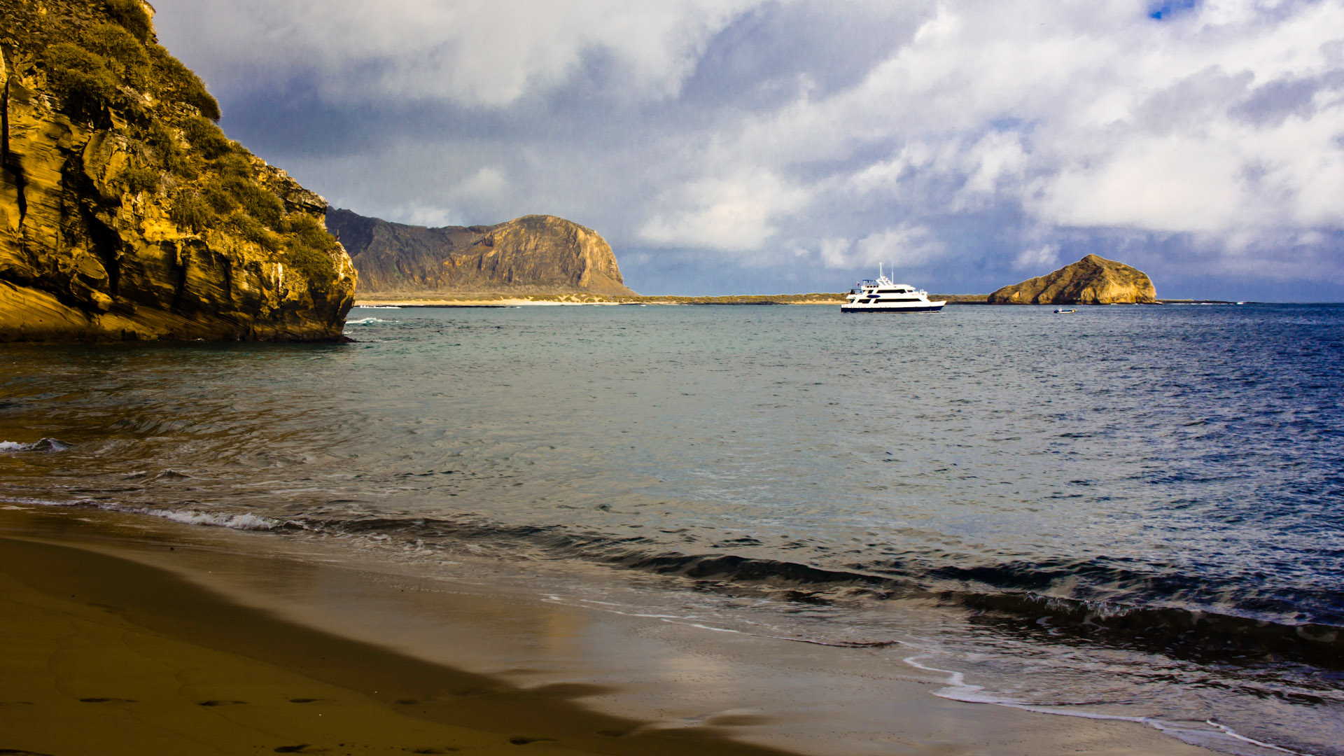 how to visit the galapagos islands